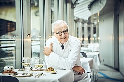 Promote French bistronomic cuisine by shooting Parisian restaurants