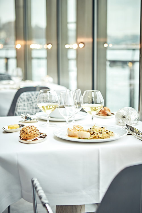 Photos that capture the essence of Parisiens restaurants to promote French bistronomic cuisine